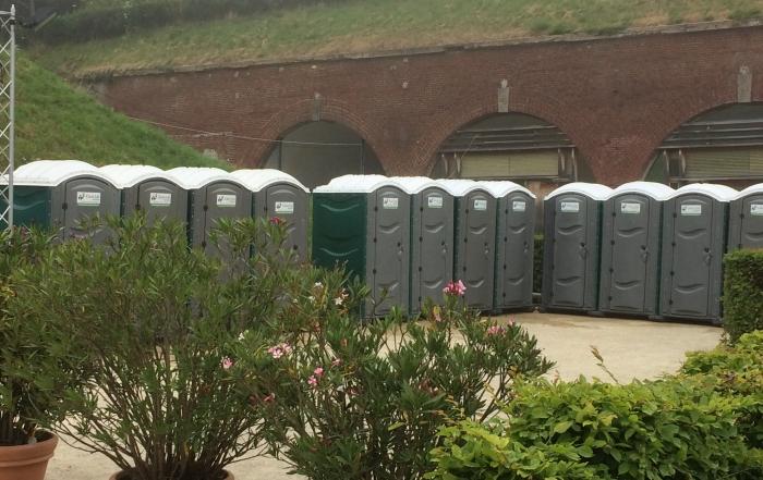 location-toilettes-nimes-ales
